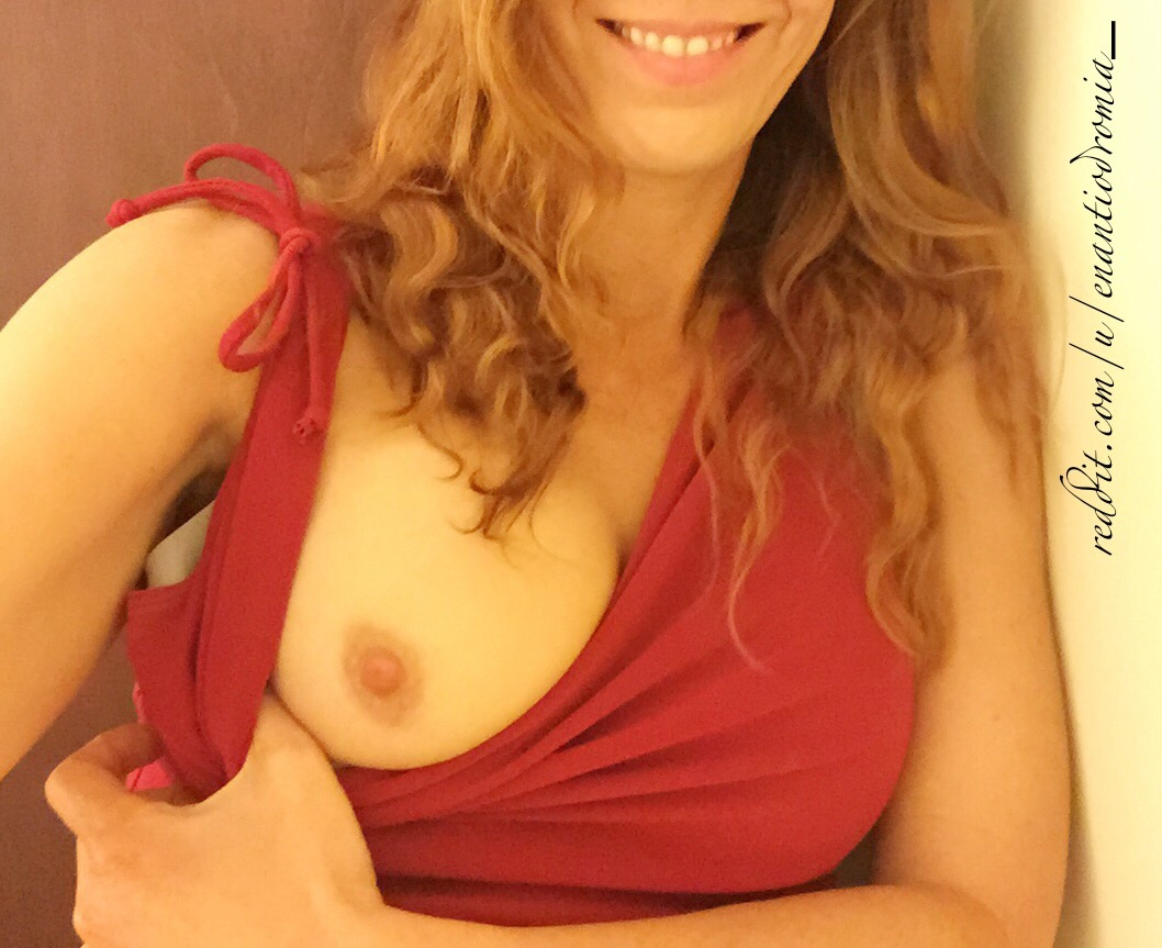 GoneWildSmiles - Smile [f]rom my office on Valentine's Day;)